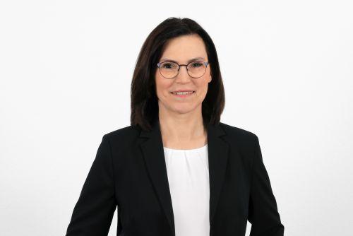 Petra Elben-Müllers, Diplom-Betriebswirtin